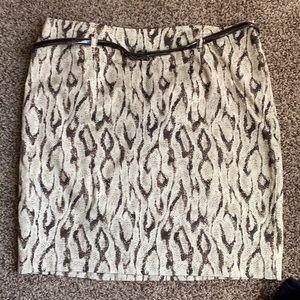 Women's Apt 9 skirt.